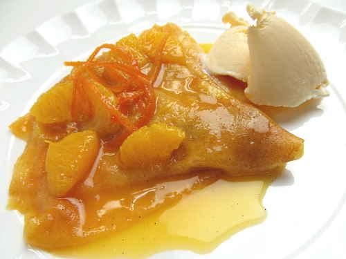 crepes-suzettes-sauced